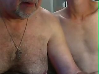 할아버지와 젊은 캠