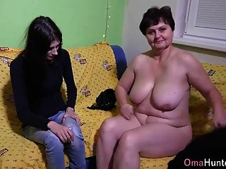 omahunter 늙은 여자는 딜도 라구 딜도와 좆