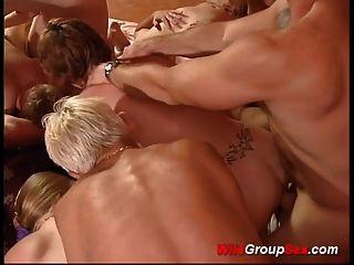 독일어 그룹 섹스 스윙 어 파티