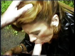 i.m. 1991 개인 창녀 traudl은 꾀꼬리과 학술을 배웁니다