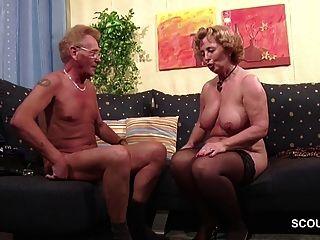 독일 최초의 포르노 주조 롤 플레잉 커플