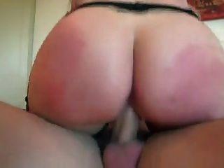 거유 한 천사 헛된 그녀의 엉덩이에 엿.