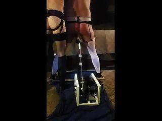 지배적 인 아내가 섹스 기계와 남편을 처벌