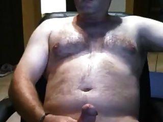 섹시 아빠가 뚱뚱한 거시기를 쓰다듬어 곰