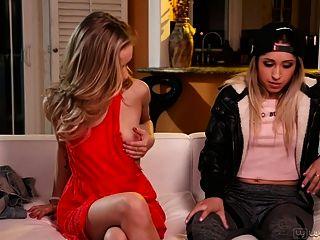 골디 러시와 rachel james 놀라운 teenie 레즈비언 섹스