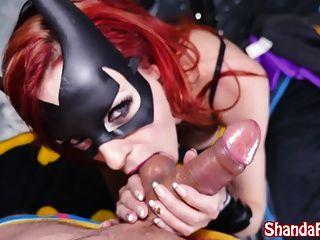 batgirl shada fay는 batcave에서 항문 creampie를 얻습니다!