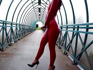빨간 라텍스 catsuit saf