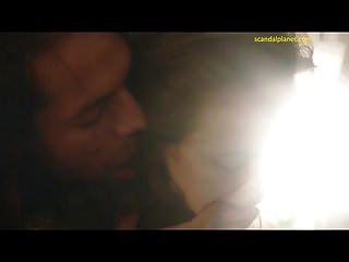 스테이시 마틴의 성관계와 n 빛 냄새 풍뎅이 스캔들의 구강