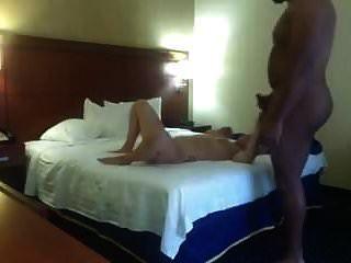 호텔 방에서 인종 간의 성교