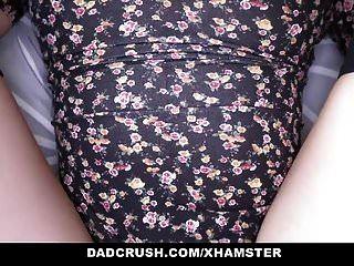 dadcrush 뜨거운 단계 딸 유혹하고 그녀의 아빠를 성교