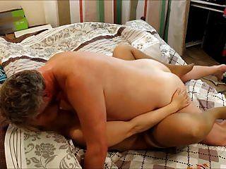 큰 가슴 금발 러시아인 milf \u0026 british bull
