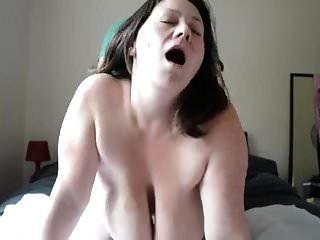 극단적으로 처진 가슴살과 질긴 가슴 (milf)