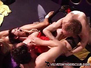 벨벳 스윙 어 클럽 개인 파티 난교 유로 섹스 클럽