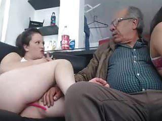 곧 75 세 남성 2 명과의 섹스