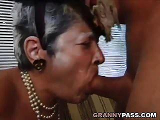 할머니, 젊은 거시기 좆.