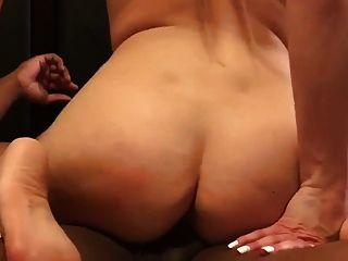금발 아내 bbc와 빌어 먹을 그리고 그는 그녀의 입에서 cumming 2