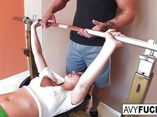 avy 스콧 그녀의 운동 루틴과 망할 gets