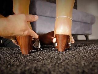 발가락 스타킹을 핥는 끈을 선배 숭배하는 선생님