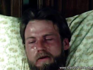 고전 빈티지 복고풍 섹슈얼리티 1973