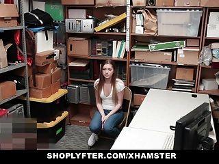 십대 소녀는 도둑질을당한 후 가드를 엿먹 였어.