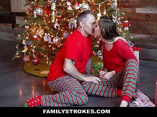 familystrokes는 크리스마스 아침에 내 계단을 빌어 먹을거야.