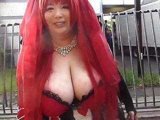 거대한 가슴을 가진 일본 소녀 (1 부)