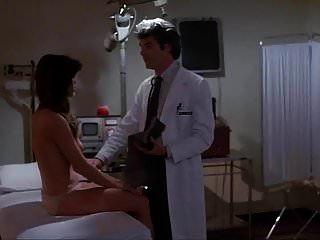 barbi benton 병원 대학살 장면 (1981)