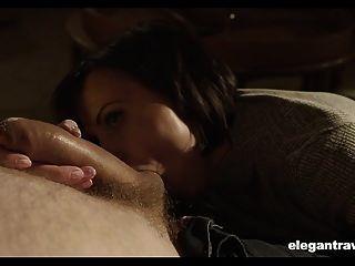 busty milf babe 그녀의 bf의 큰 하드 수탉 그녀의 엉덩이에 깊은 걸립니다.