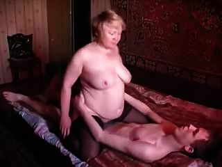 러시아 엄마와 아들 러시아 옛 여자와 어린 소년 3