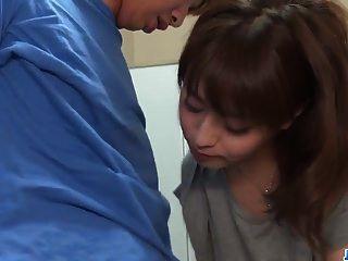 risa mizuki는 69avs.com에서 더 많은 남자와 섹스하려고합니다.