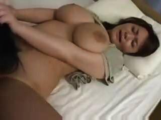 거대한 자연의 아시아 가슴 섹스 (검열)