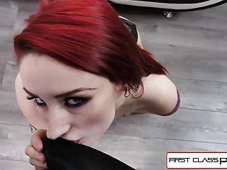 firstclasspov 바이올렛 먼로 그녀의 목구멍에 큰 거시기 가져 가라.