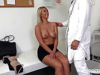 nikky 꿈은 흥분된 의사를 사랑합니다.