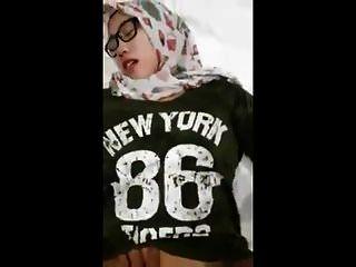 인도네시아 소녀 hijabs 포르노 2018