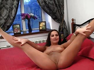 섹시한 젊은 아가씨 팬티 스타킹 애타게