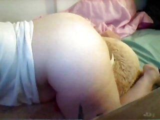 오르가즘까지 젊은 뚱뚱한 여자 humps 거대한 테디