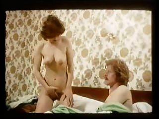 les nains preferent les blondes (1977 년)