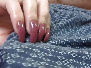 긴 손톱 바지 스크래치와 손놀림