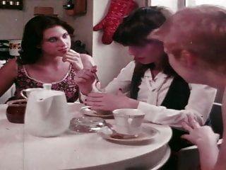 그녀의 총 응답 (1977) 1of2