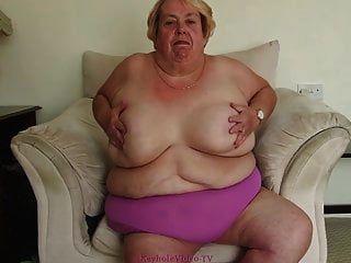 우리를 위해 병적으로 뚱뚱한 할머니 스트립