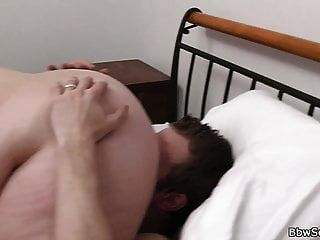 금발 bbw와 뜨거운 69 구강과 속이는 섹스