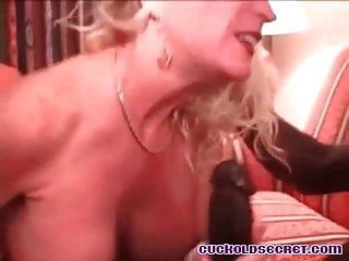cuckold sissys 아내는 그녀의 bbc 황소 남편 시계에 온다.