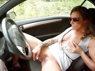 차에서 자위하는 소녀 nicolo33