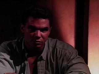 젖꼭지 바 (1993)