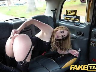 가짜 택시 엉덩이 플러그 \u0026 수탉 스트레칭 핫 베이브 발레리 여우
