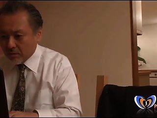 남편 앞에서 오르가즘을 느끼는 일본인