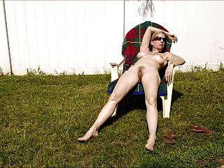 섹시한 milf sunbather