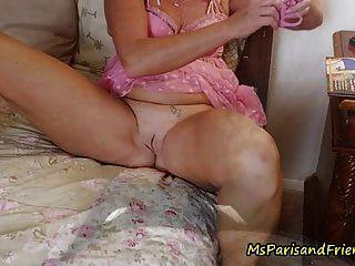 ms 파리와 그녀의 금기 여름 휴가