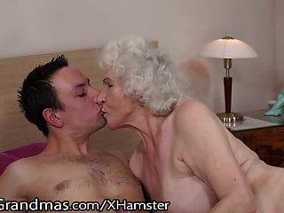 관능적 인 할머니 lustygrandmas 털이 상자를 사용 타고
